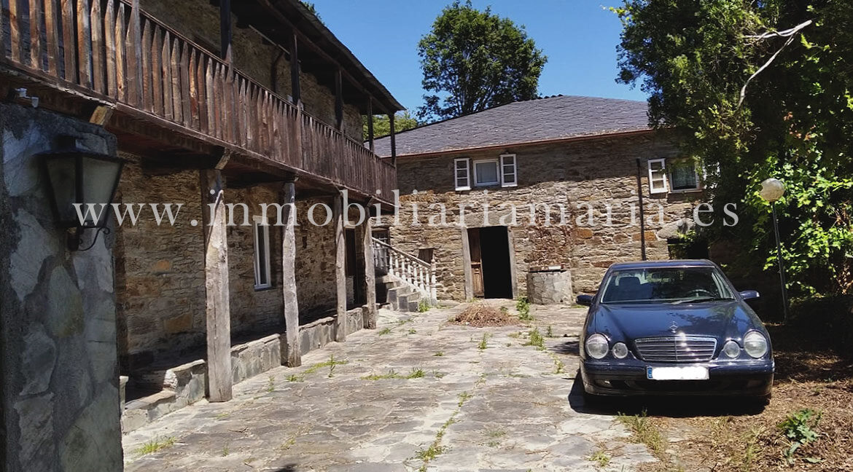 Antojana-Apartamentos-rurales-Ribeira-de-Piquin
