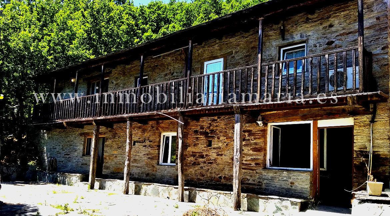Balcon-Apartamentos-Rurales-Ribeira-de-Piquin