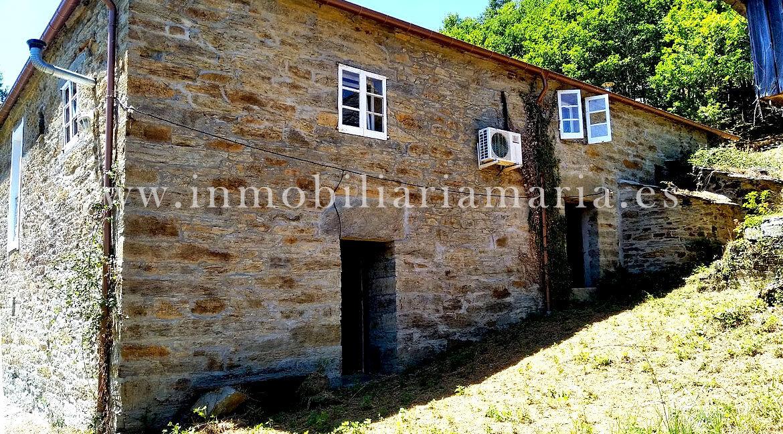 Casa-Apartamentos-rurales-Ribeira-de-Piquin