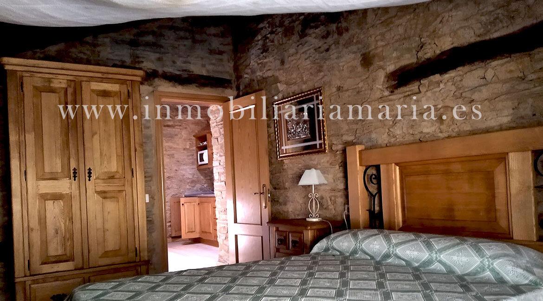 Dormitorio-Apartamentos-rutales-Ribeira-de-Piquin