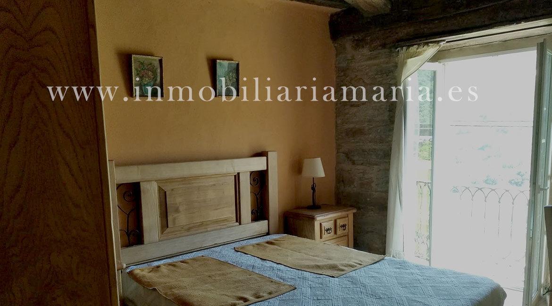 Dormitorio-individual-apartamentos-rurales-Ribeira-de-Piquin