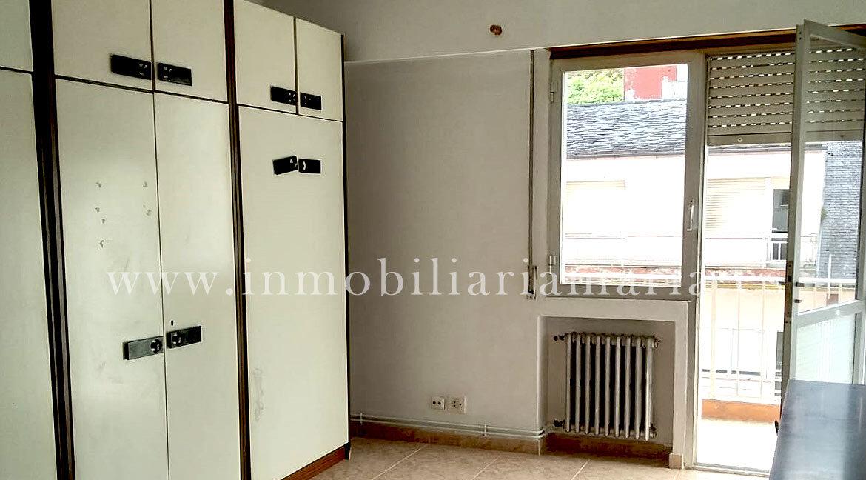 habitación-con-terraza-Piso-A-Pontenova