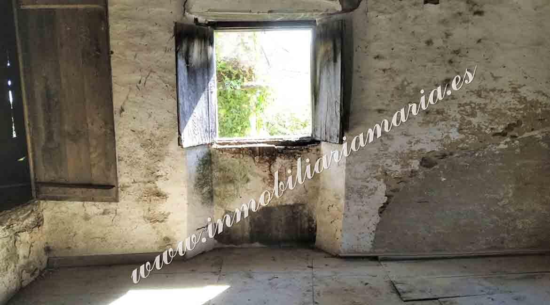 ventana-interior-casa-Vilar-de-Santiago