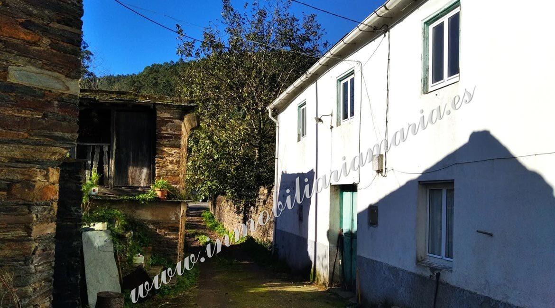 venta-Propiedad-CASA-VIDES-patio-inmobiliaria-maria