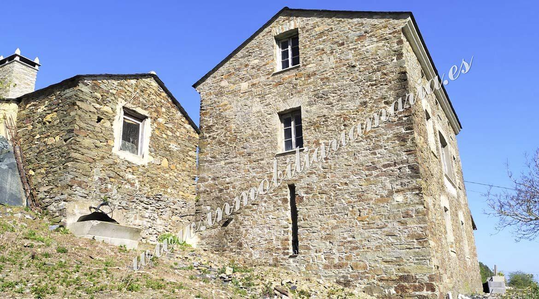 fachada-exterior-casa-la-roda