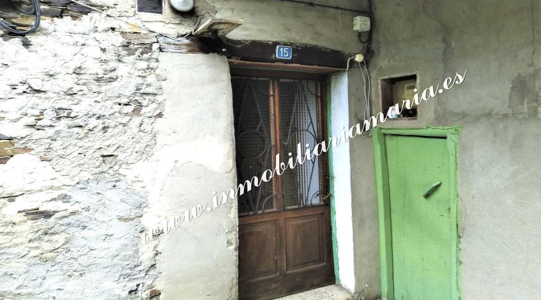 puerta-exterior-casa-la-trapa-en-venta-trabada-lugo