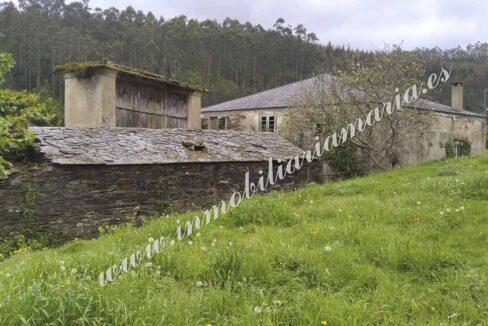 Venta de casa en el pueblo de La Trapa en Trabada, Lugo. Inmobiliaria María