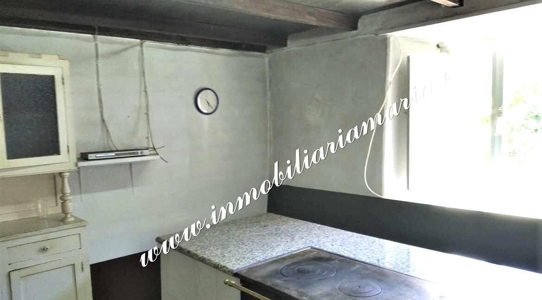 cocina-casa-paime-ribeira-de-piquin-Lugo-inmobiliaria-maria