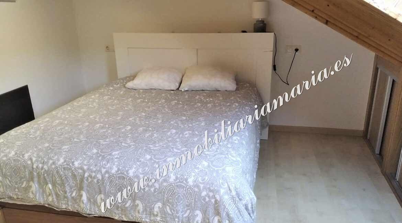 habitacion-bajocubierta-venta-casa-ribadeo-inmobiliaria-maria