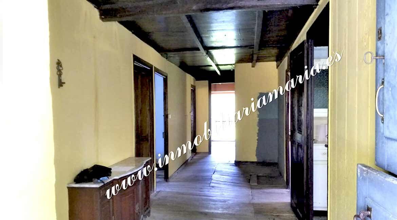 pasillo-casa-paime-ribeira-de-piquin-Lugo-inmobiliaria-maria