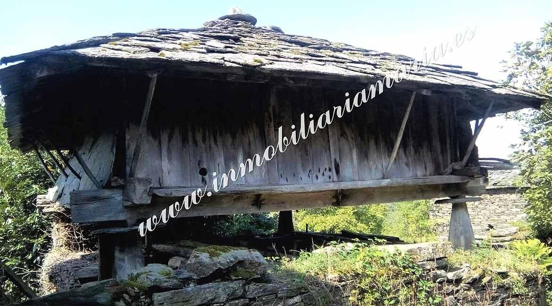 hórreo-casa-en-villarxubin-II-en-A-Pontenova-Lugo