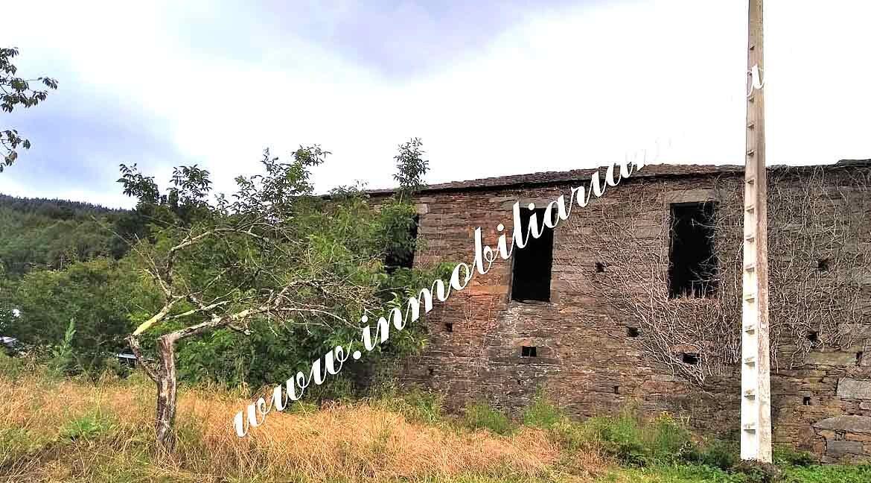 casa-con-finca-bien-comunicada-en-Ribeira-de-Piquin-Lugo