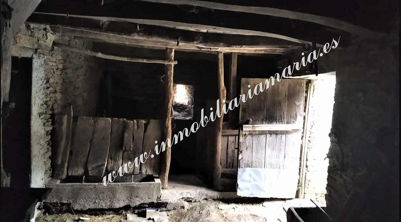 interior-venta-casa-sanxes-pontenova-lugo