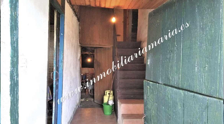 entrada-venta-casa-navallo-taramundi-inmobiliaria-maria