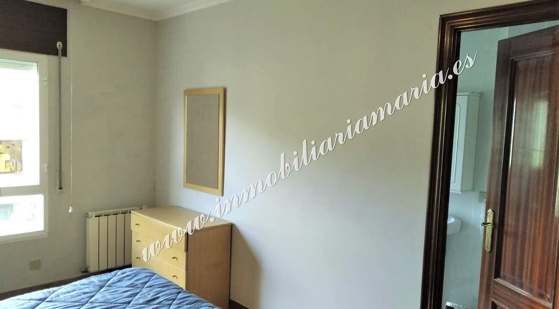 habitacion-2-ventana-venta-piso-a-pontenova-inmobiliaria-maria