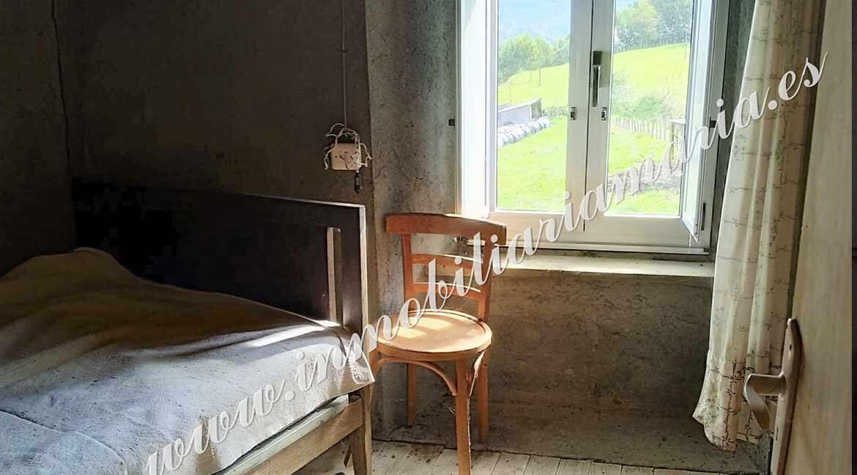 habitacion-ventana-casa-vilaseca-riotorto-lugo
